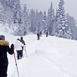Sencilla guía para iniciarte en la práctica de caminar con raquetas de nieve