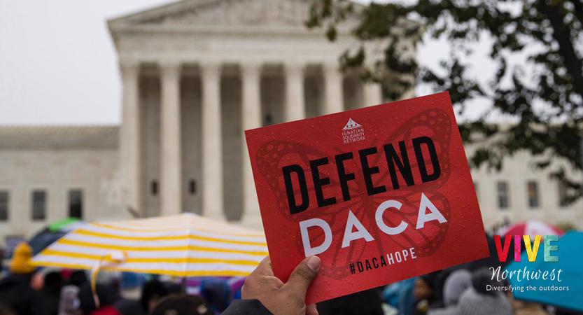 Juez federal deja en el limbo el programa DACA; anunciará su decisión final el 9 de abril