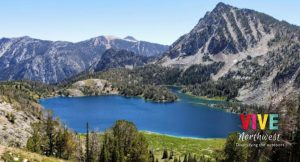 Visita Hoffer Lakes Trail, donde encontrarás tres hermosos lagos y un increíble paisaje montañoso