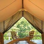 ¿Quieres acampar, pero sin sacrificar las comodidades que ofrece un hotel? Conoce el 'glamping'