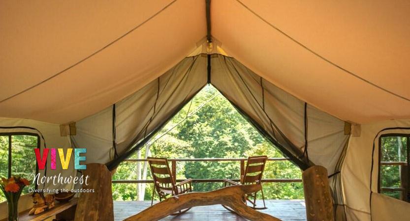 En este momento estás viendo ¿Quieres acampar, pero sin sacrificar las comodidades que ofrece un hotel? Conoce el 'glamping'